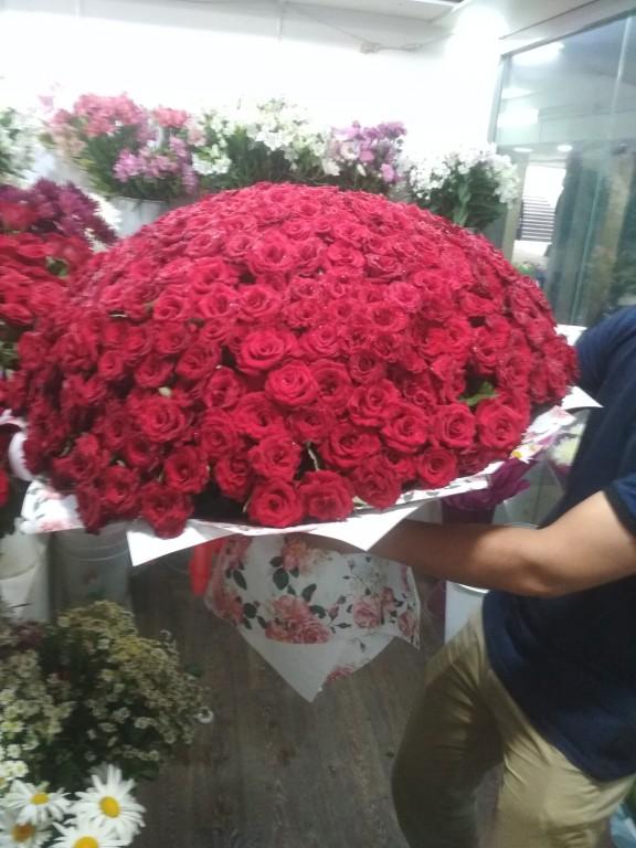 Букет местная отборная роза-301 роза