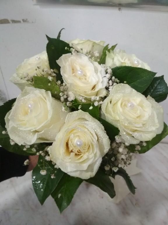 7 роза с жемчугами