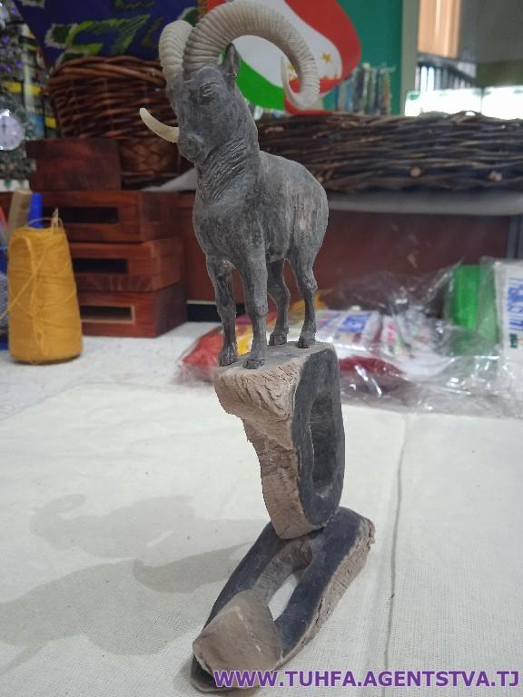 Художественное изделие «Горный козел»