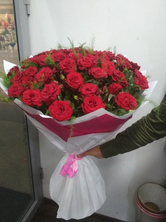 Букет местных отборных роз (51 штук в букете)